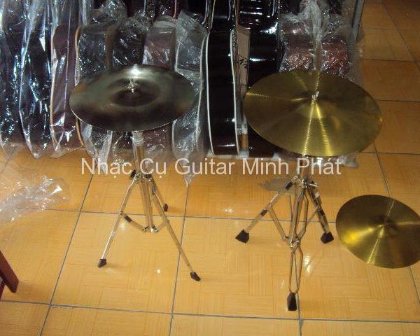 cymbal trống jazz