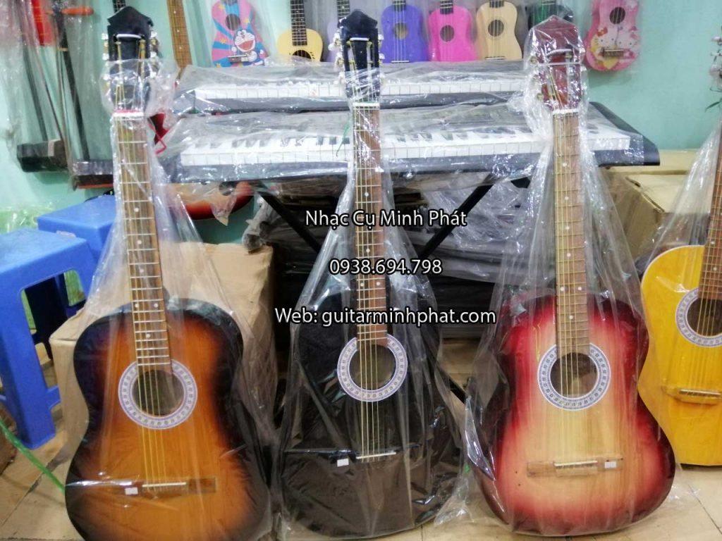 Đàn guitar giá rẻ chỉ 590k 1 cây tại TPHCM
