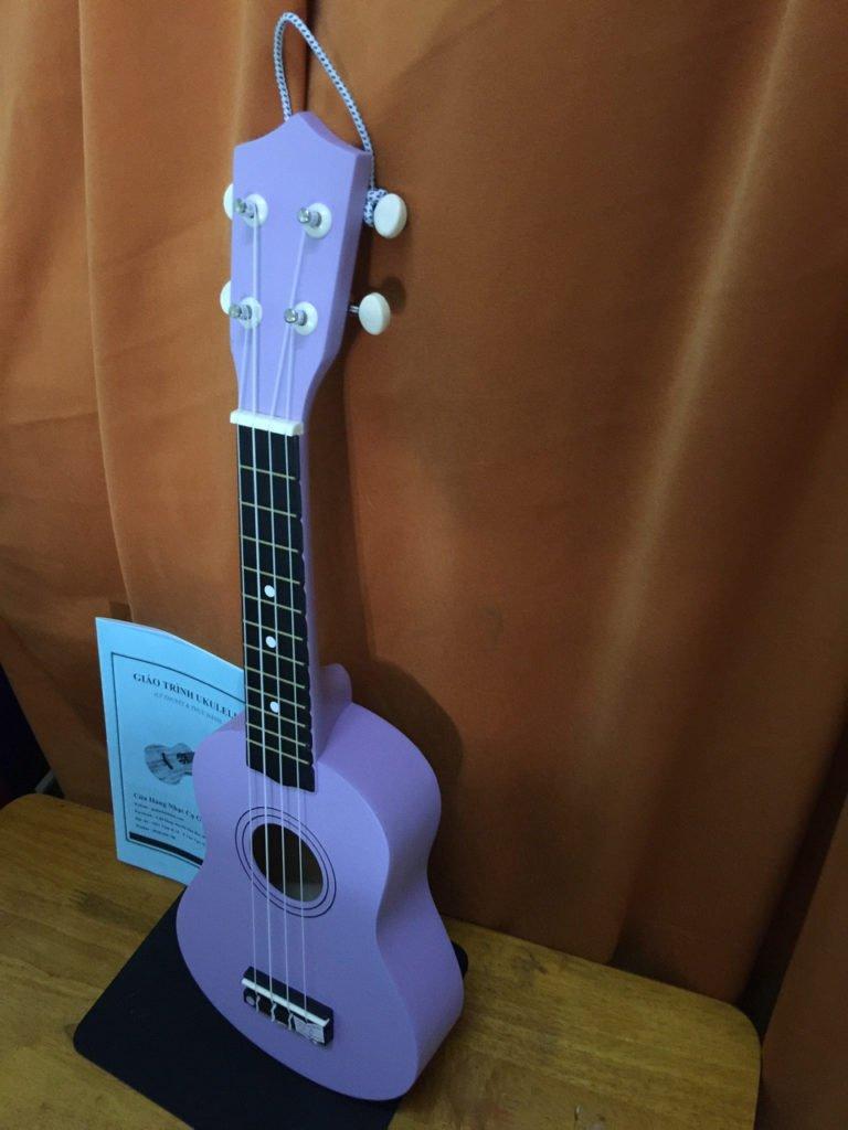 Đàn ukulele màu tím đẹp chính hãng giá rẻ