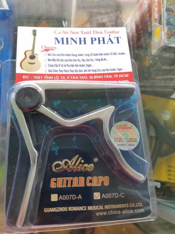 Capo đàn guitar classic