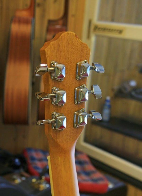 khoa-dan-guitar-acoustic-gia-re(2)