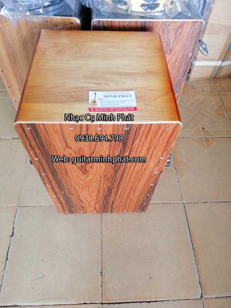 Trống cajon gỗ thông núm vặn dây snare - HÌnh ảnh chi tiết mặt trước của trống