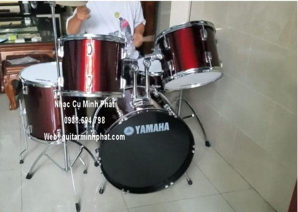 trống-jazz-yamaha-màu-đỏ-đô