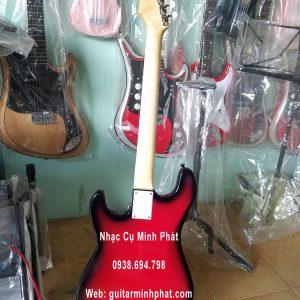 mua-dan-guitar-dien-gia-re-danh-cho-nguoi-moi-tap-choi (1)