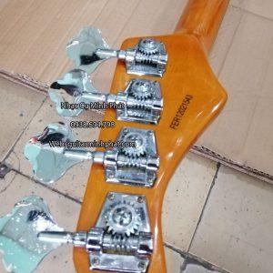 can-canh-khoa-dan-guitar-bass