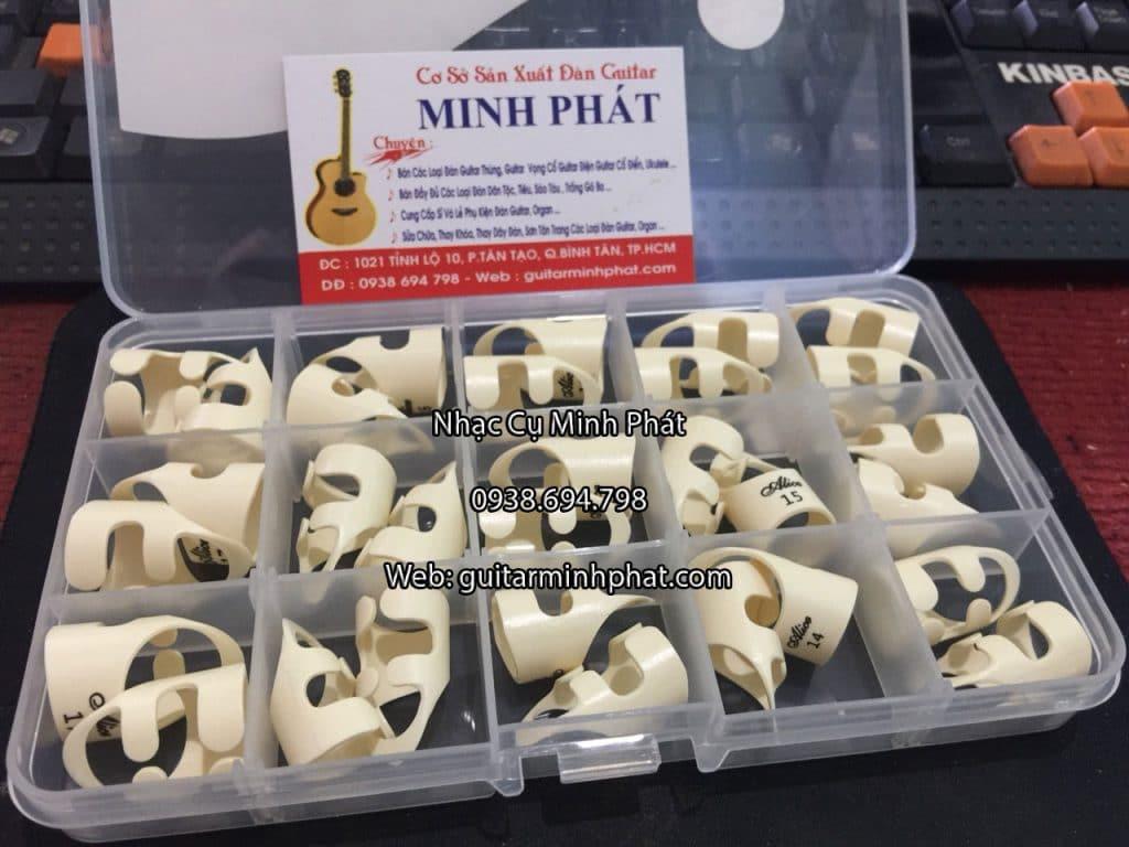 Móng gảy đàn - móng chơi đàn guitar giá rẻ được bán tại nhạc cụ minh phát - ship toàn quốc