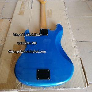 dan-guitar-dien-co-nhac-gia-re-mau-xanh (2)
