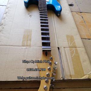 dan-guitar-dien-co-nhac-gia-re-mau-xanh (3)