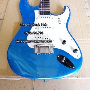 dan-guitar-dien-co-nhac-gia-re-mau-xanh (4)