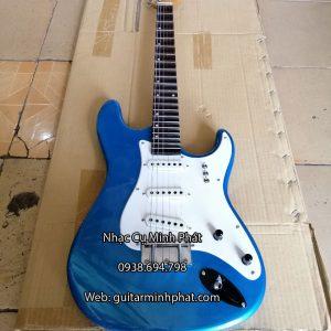 dan-guitar-dien-co-nhac-gia-re-mau-xanh (5)