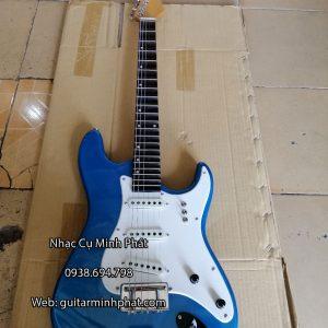 dan-guitar-dien-co-nhac-gia-re-mau-xanh (6)