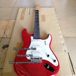 mua-dan-guitar-dien-vong-co-gia-re-mau-do (5)