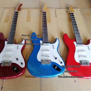 mua-dan-guitar-dien-vong-co-phim-lom-tai-tphcm (2)