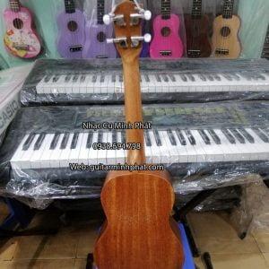 mua-dan-ukulele-tenor-o-tinh-lo-10-binh-tan (4)