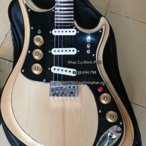 ban-dan-guitar-dien-tesco