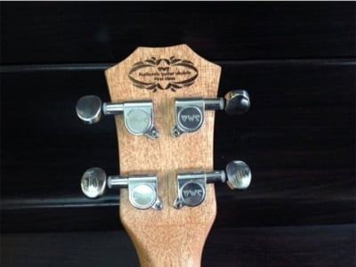 khoa đúc đàn ukulele