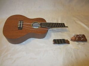 Dịch vụ sửa đàn ukulele hư hỏng ngay tại Nhạc Cụ Minh Phát quận bình tân tphcm