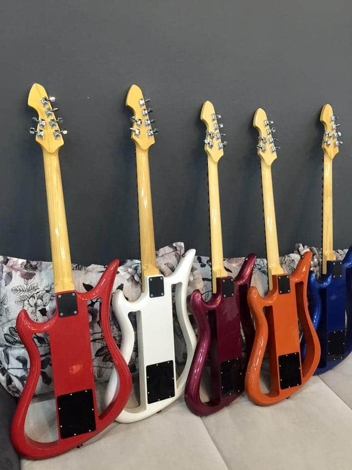 Cửa hàng nhạc cụ quận 4 -- chuyên bán đàn guitar điện, guitar thùng, guitar phím lõm, trống jazz... tại cửa hàng nhạc cụ Minh Phát tphcm