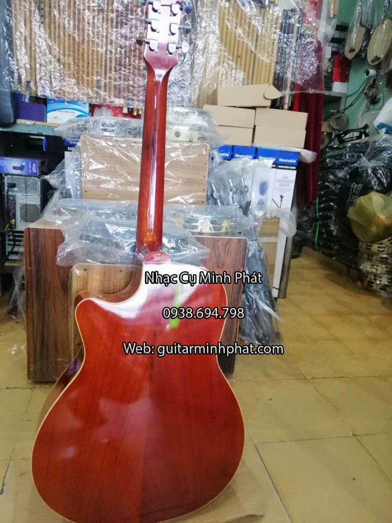 Đàn guitar acoustic full gỗ hồng đào, giá rẻ tại tphcm Mặt top, lưng và hông gỗ hồng đào cho âm thanh vang và ấm