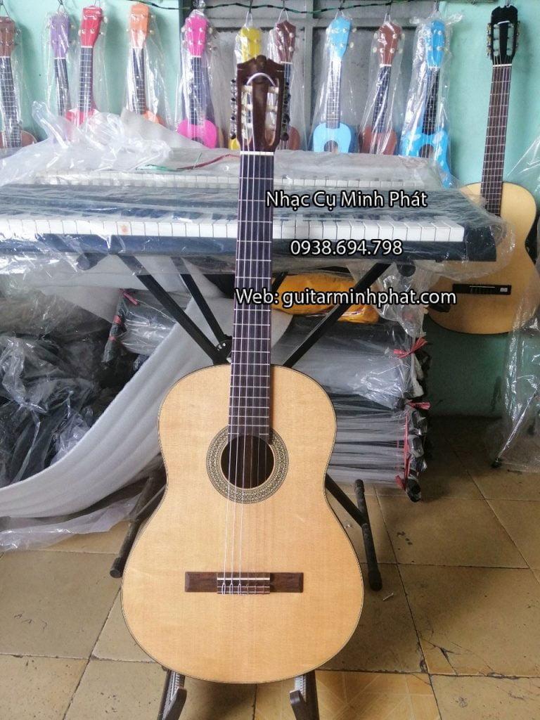 dan-guitar-classic-go-cam-lai-mat-top-thong-3-a