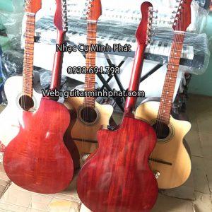 dan-guitar-thung-vong-co-phim-lom-go-hong-dao-nhac-cu-minh-phat-(2)