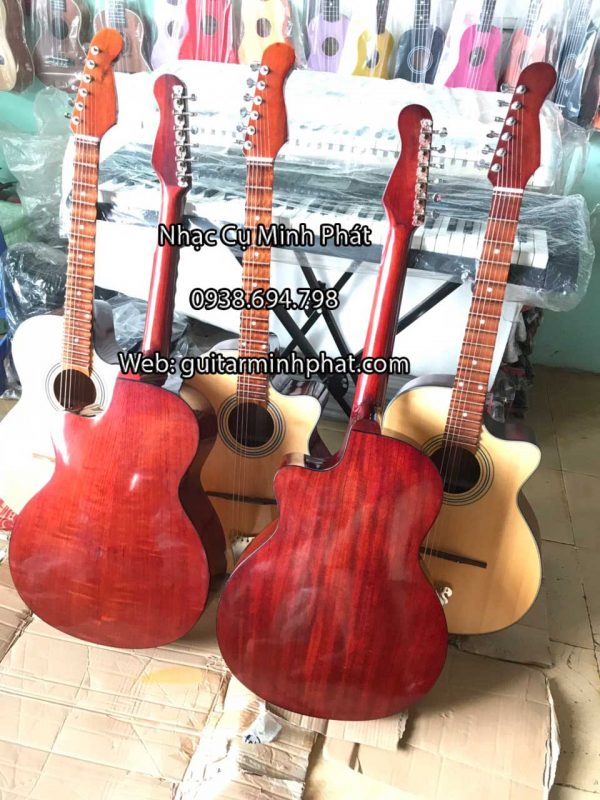 Hình ảnh chi tiết mặt lưng gỗ hồng đào cao cấp của đàn guitar thùng phím lõm vọng cổ