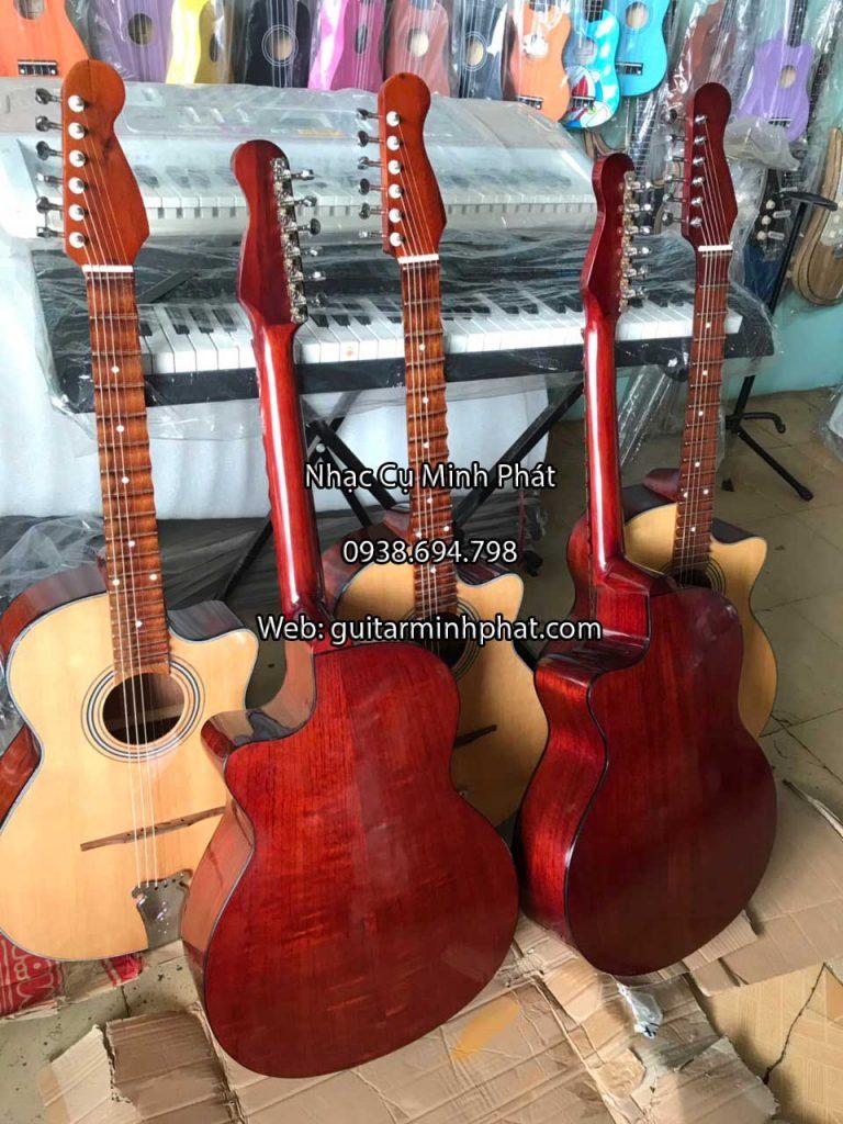 dan-guitar-thung-vong-co-phim-lom-go-hong-dao-nhac-cu-minh-phat-(5)