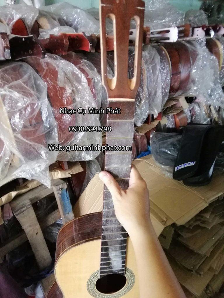 Xưởng đàn guitar Minh Phát