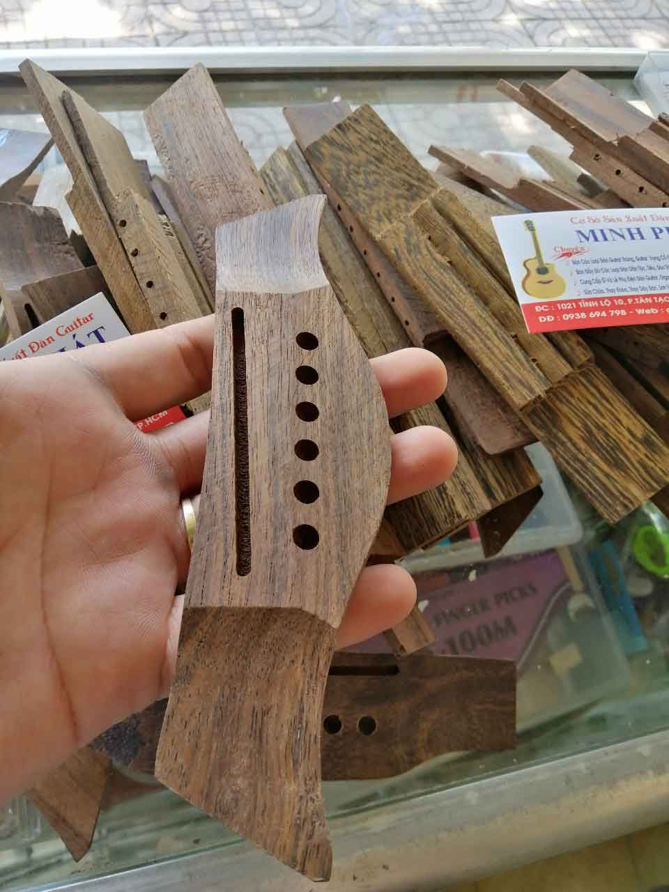 Ngựa gỗ guitar acoustic mẫu 2