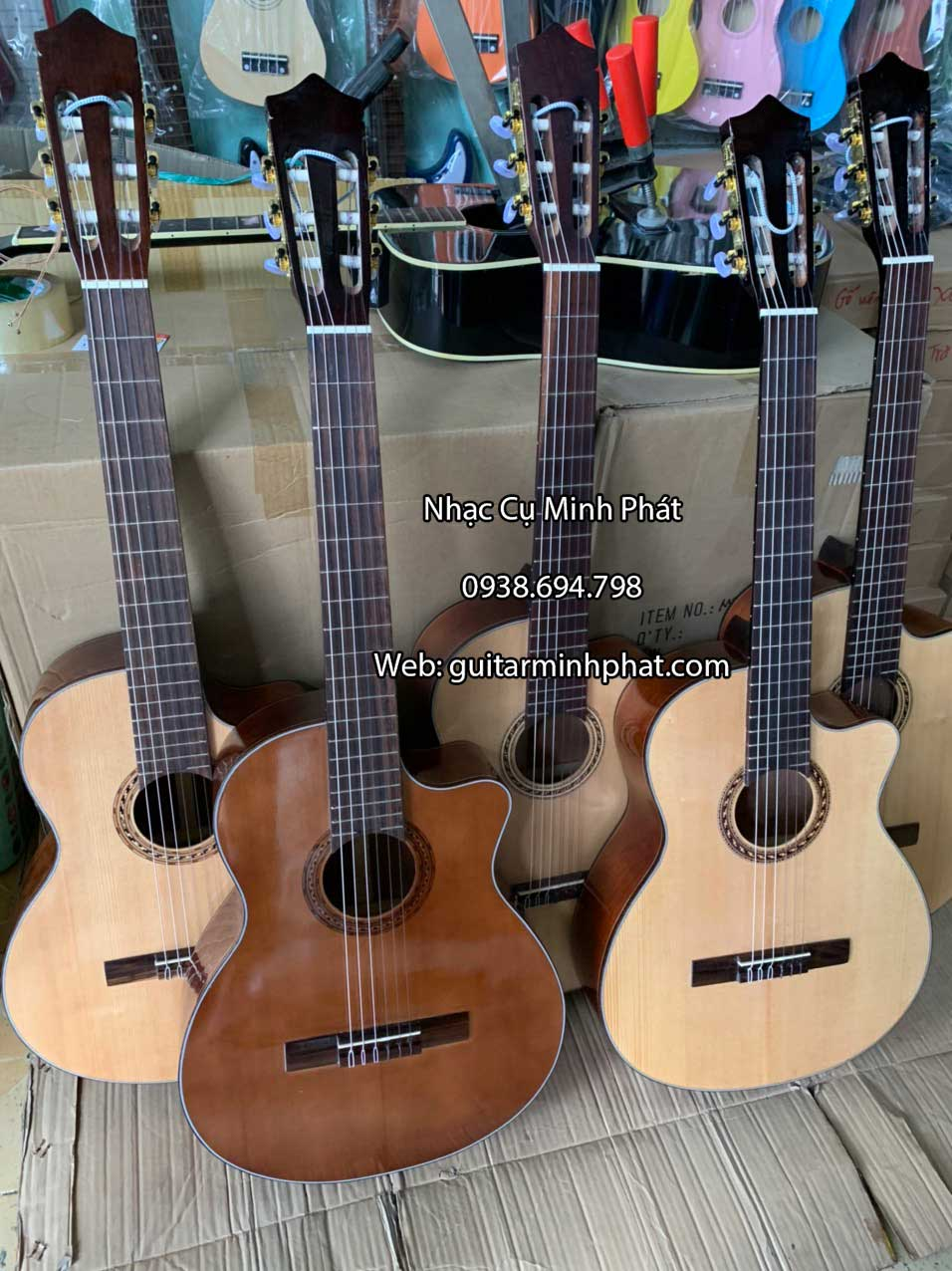 dan-guitar-classic-dang-khuyet-go-hong-dao-cao-cap-co-ty-chinh-can (6)