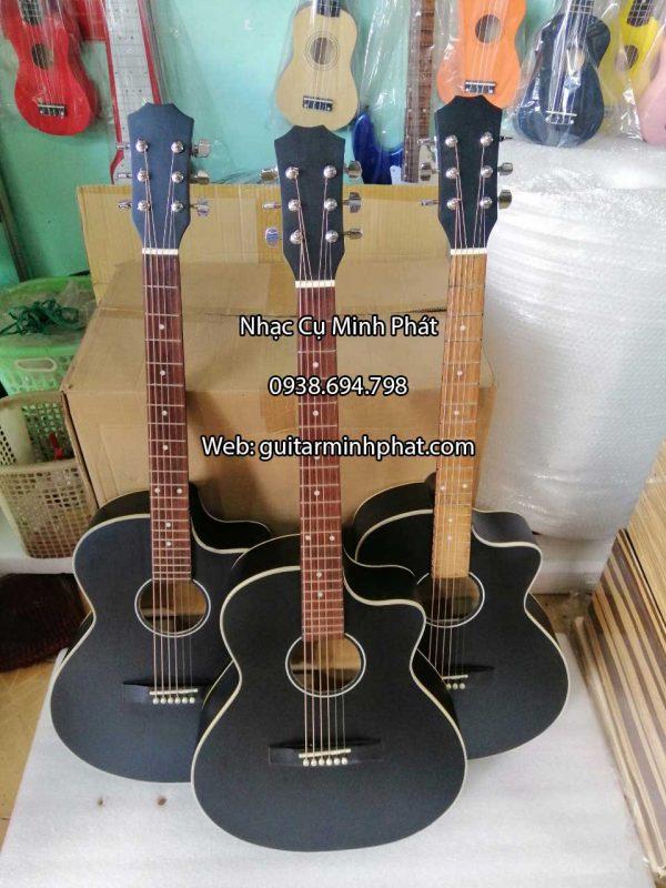 dan-guitar-acoustic-mau-den-co-ty-chong-cong-can-gia-re-sinh-vien (6)