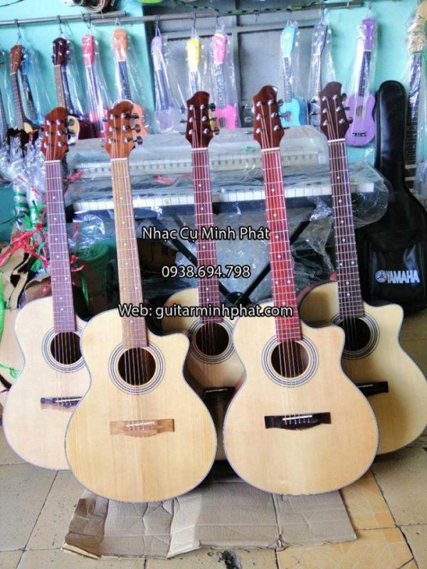 dan-guitar-sinh-vien