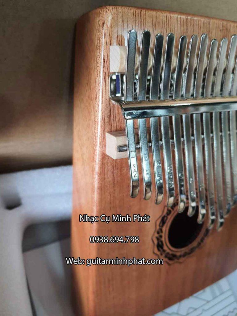 Chi tiết góc cạnh phím lazer được khắc phím và bo uốn cong cạnh